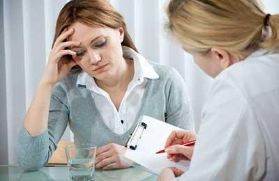 врач назначает лечение