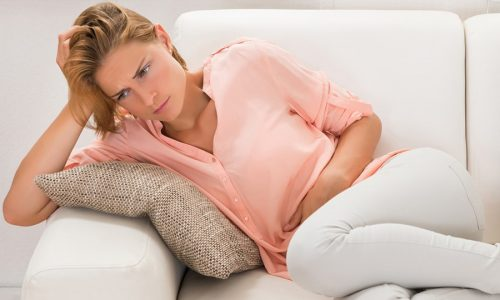 В связи с анатомо-физиологическими особенностями мочевыводящих путей у всех девушек или женщин хоть 1 раз в жизни развивался цистит